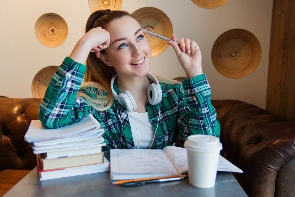 Étudiant aux devoirs